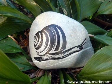 Galet d co jardin escargot id es jardin pinterest for Gros galet decoratif
