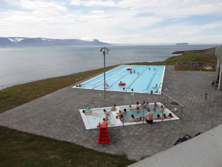 Outside Reykjavík: Hofsós Swimming pool