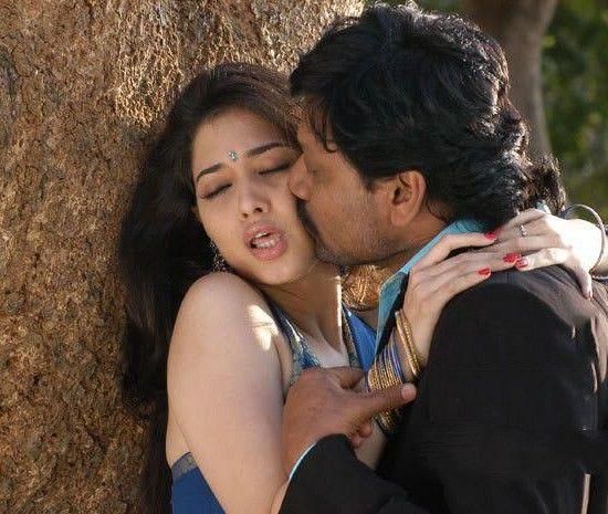 Tamanna Hot Kissing Scene