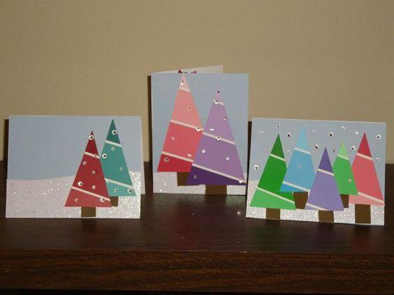 Árboles de navidad con trozos de pintura::