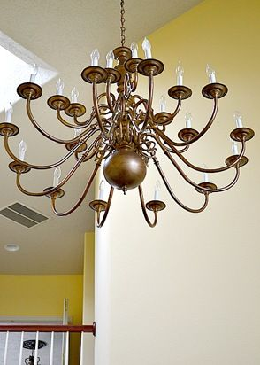 Brass chandeliers makeover sprays och ljuskronor give a brass chandelier a new look with spray paint aloadofball Images