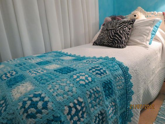 Cubre pie de cama en 6 colores crochet pinterest pies for Cubrepies de cama