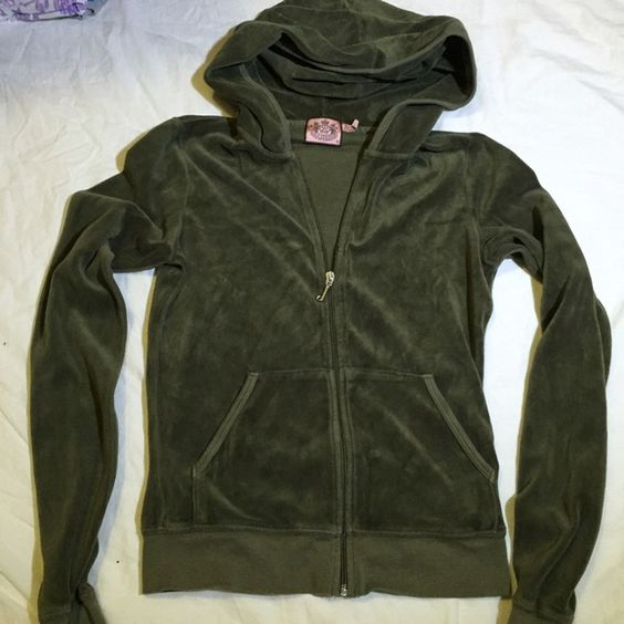 Juicy couture hoodie Size small like new Juicy Couture Tops Sweatshirts & Hoodies