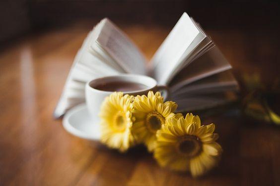 "SOUND: http://www.ruspeach.com/en/news/5135/     Чтобы позабыть печаль - читай книгу и пей чай.   [shtòby pazab`yt' pichàl' - chitàj knìgu i pèj chàj]   To forget sorrow - read a book and drink tea.      печаль [pichàl'] - sorrow   читать [chitàt'] - to read (читай - повелительное наклонение для глагола ""читать"")   книга [kniga] - book      пить [pit'] - to drink (пе"