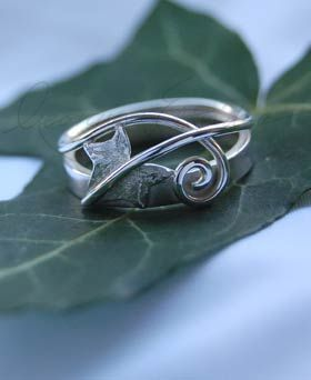 Ivy Leaf & Curling Tendril Ring. Wedding ring tattoo inspiration?
