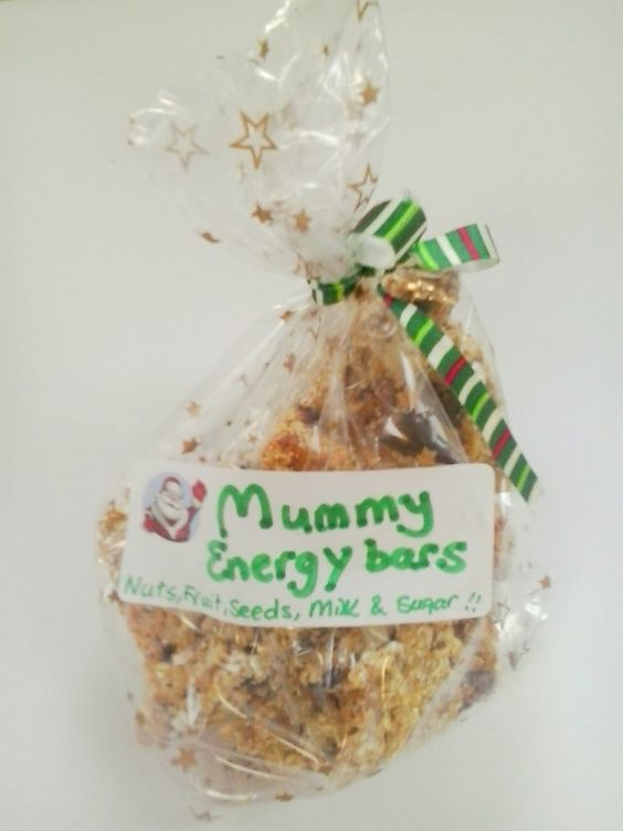 Craftea Energy Bars for Mums - oats, fruit, nuts and condensed milk - recipe here on our blog!