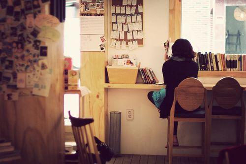 kirmizidemlik:  Cafe by .min. on Flickr.