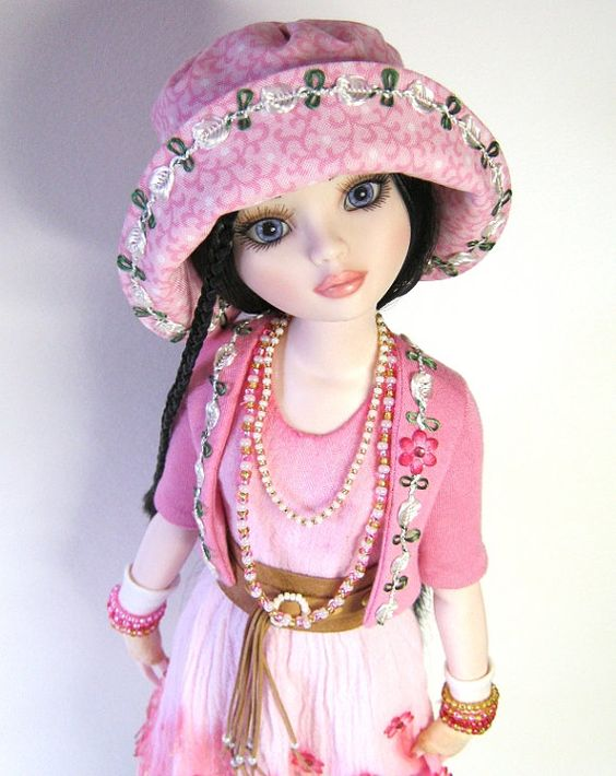 Ellowyne, OOAK doll outfit TATTERS by RaccoonsRags via Etsy