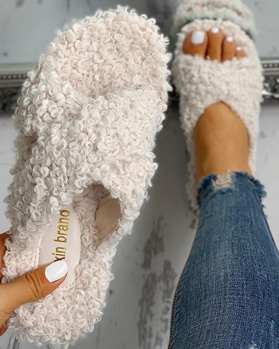 Shop Solid Fluffy Crisscross Design Flat Sandals right now, get great deals at joyshoetique.co.uk.