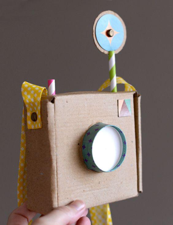 C mara polaroid de cart n reciclar pinterest - Camaras de fotos infantiles ...