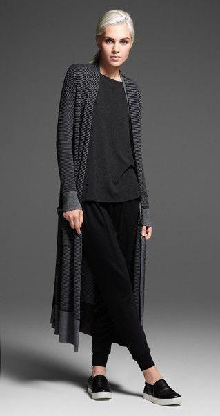 #minimalistfashionwomenover50outfit