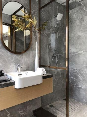 Stunning Luxury Interior Design Ideas For Modern Boutique Hotels Bedroomdecoration Luxurydecora Bathroom Decor Luxury Bathroom Design Luxury Bathroom Decor