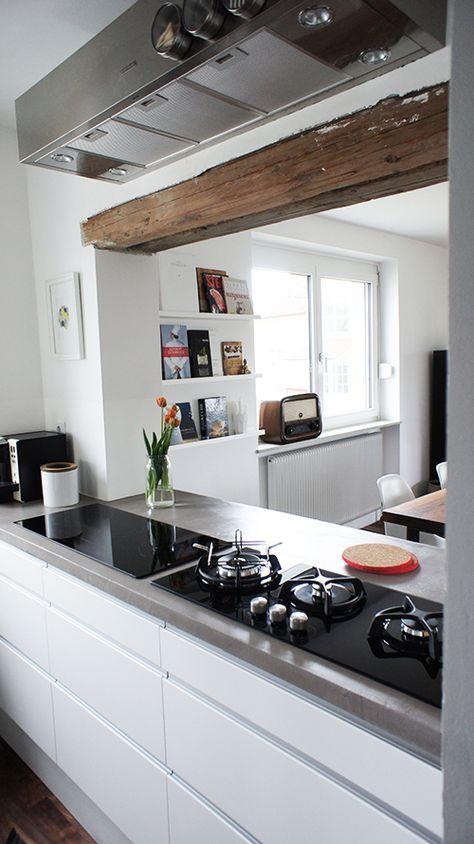 Moderne Kücheninsel mit schwarzen Fliesen Villa Pinterest - keramik arbeitsplatte küche