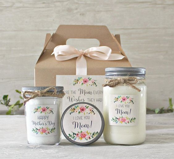 25 Best Mother In Law Gift Ideas For Mother S Day 2020 To Amp Up Your Gift Game Hike N Dip Candle Gift Set Personalized Mother S Day Gifts Candle Gift