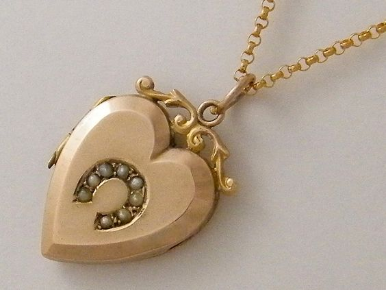1890's 9K Antique Gold Locket Necklace Rose Gold Victorian Locket Heart Locket Lucky Charm Horse Shoe Gift Jewelry (500.00 USD) by AntiqueLockets