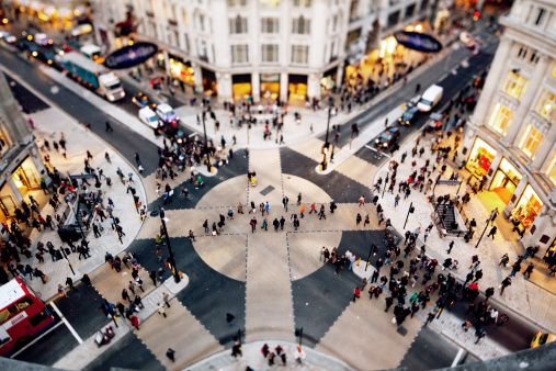 Gettyimages: Oxford Circus Crossing London by watchlooksee.com
