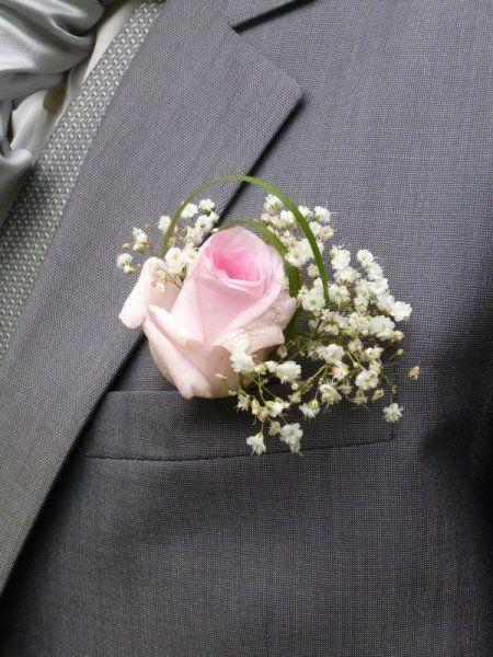 boutonnieres bouquets de demoiselles d 39 honneur fleurs. Black Bedroom Furniture Sets. Home Design Ideas