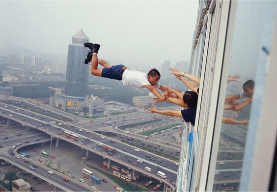Li Wei: Unphotoshopped Photoshops of Flying Men