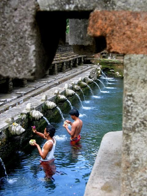 This website is ridiculously helpful for planning Indonesian island hopping! bali hindu culture.