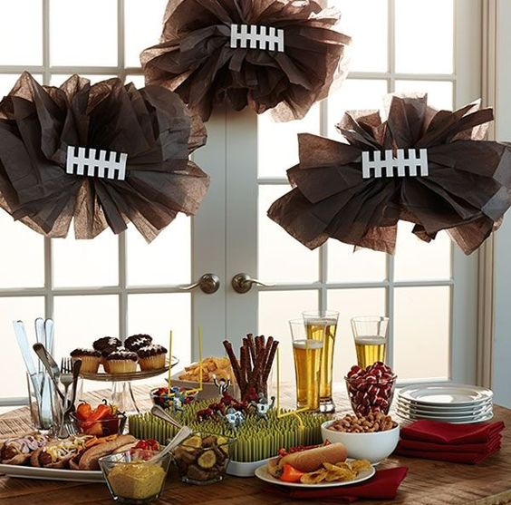20 DIY Football Decorations for a Tailgate Tablescape | thegoodstuff