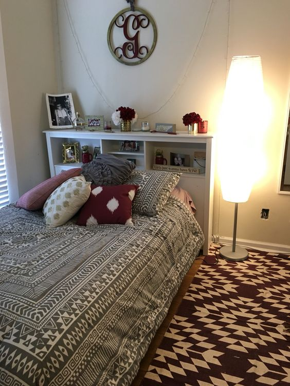 Maroon, gold, and gray room