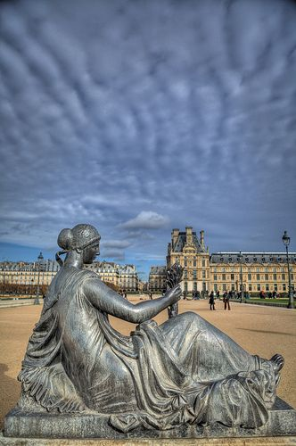 Tuileries garden paris i photo by stewart leiwakabessy via flickr dreams of paris - Statues jardin des tuileries ...