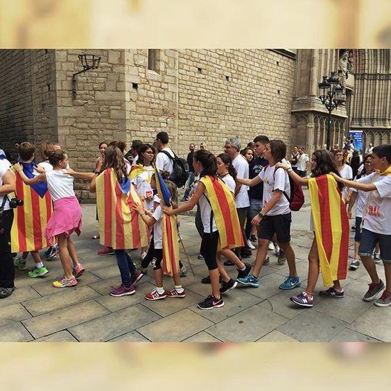 La joventut empeny cap a la llibertat. #11s #11september #11stv3 by joangrumet