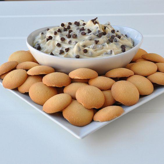 Chocolate Chip Cookie Dough Dip: Vanilla Wafer, Cookie Dip, Cookie Dough Dip, Nom Nom
