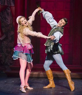 THEATRE REVIEW: Opera North's KISS ME, KATE at Leeds Grand Theatre... http://go.shr.lc/1Lhy3hu