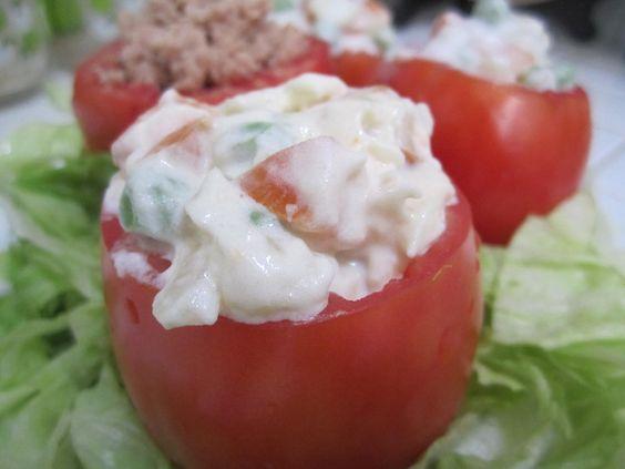 Jitomates rellenos  Incluida en Recetas fáciles y saludables para mamás ocupadas.  CocinandoConRoxy.com