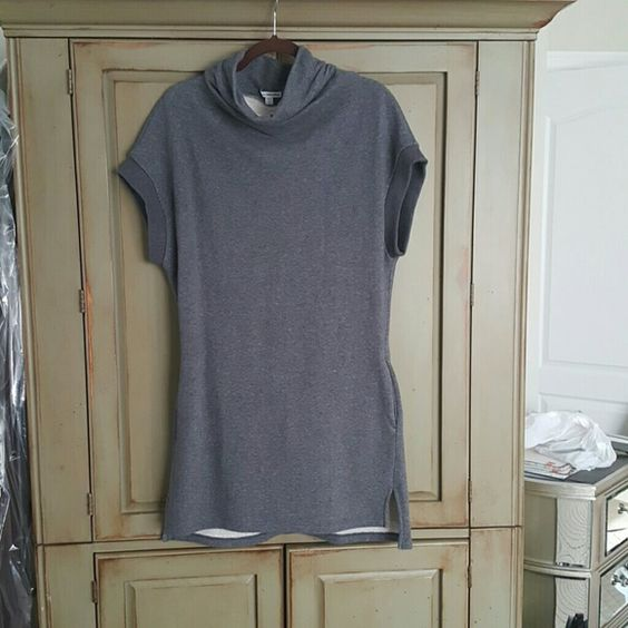 Sweatshirt dress James Perse Cutest sweatshirt dress with pockets.  Worn once. Designers sizing is 1,2,3 and this equals sm,md,lg James Perse Dresses Mini