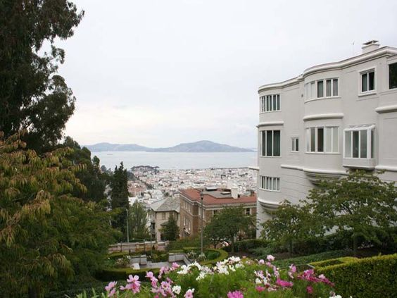 Pacific Heights Mansions in SF   UpOut    Walk past palatial homes and consulates in Pacific Heights--mansions used as the Japanese and German consulates in 1941. Learn of Victorian lifestyles and earthquake refugees.