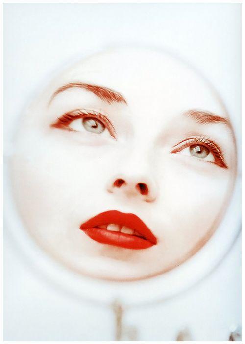 Model Dorian Leigh, 1950 Photo by Milton Greene