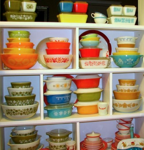 vintage Pyrex collections.