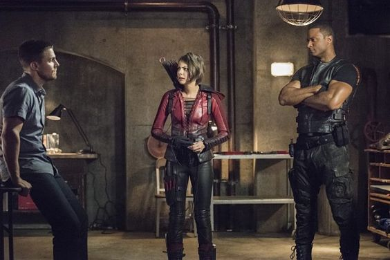 Arrow : Toutes les images de l'épisode 4.01 ('Green Arrow'