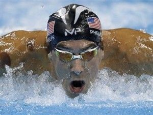 Michael Phelps va hoy por la 20 y 21 medallas de oro