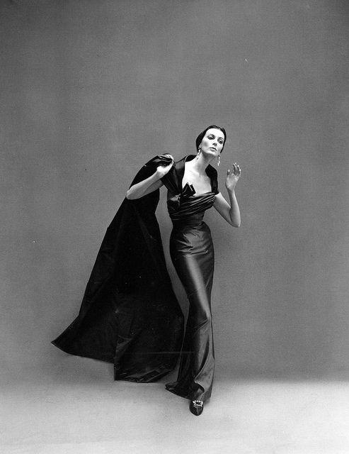 Balmain sheath dress - August 1957