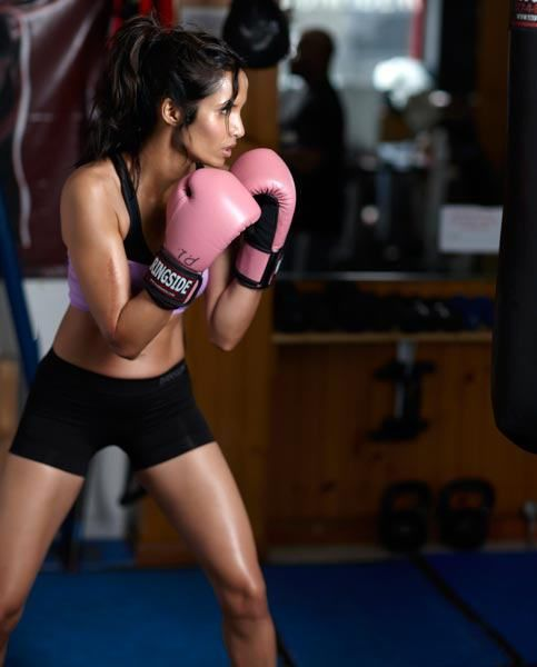 Girls Boxing Guide - Boxing Cardio Training Ideas -Kickboxing or just Boxing is an amazing workout!! It also helps to relieve stress too!// In need of a detox? 20% off using our discount code 'Pin20' at www.ThinTea.com.au
