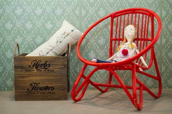 Rag dolls. minina & red chair.