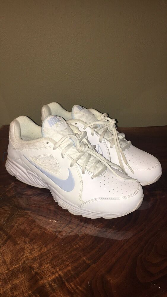 Decaer llegada fe  Womens Nike View III #fashion #clothing #shoes #accessories #womensshoes  #athleticshoes (ebay link) | Cheerleading shoes, Womens basketball shoes,  Nike