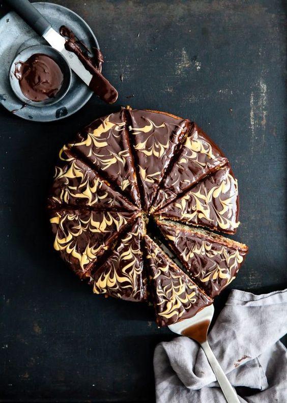 Rezept für Bananenkuchen mit Schokoladen Erdnussbutter Ganache – banana cake with chocolate peanut butter ganache