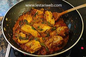 Ayam Woku (Woku Chicken) - Menado Food