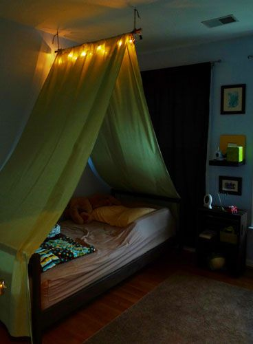 DIY Tent Over The Bed  This Is Cool. Like The Light, Gotta Do This. I Am  Soooo Going To The Store To Get This Project Started Today!!!