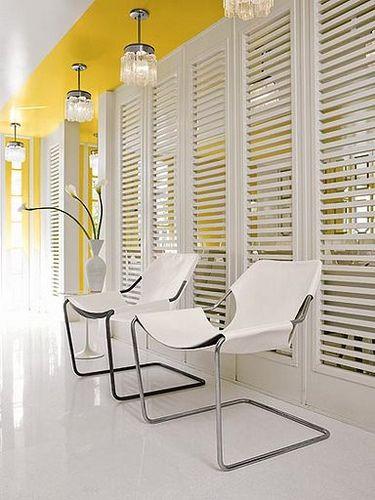 Branco com amarelo