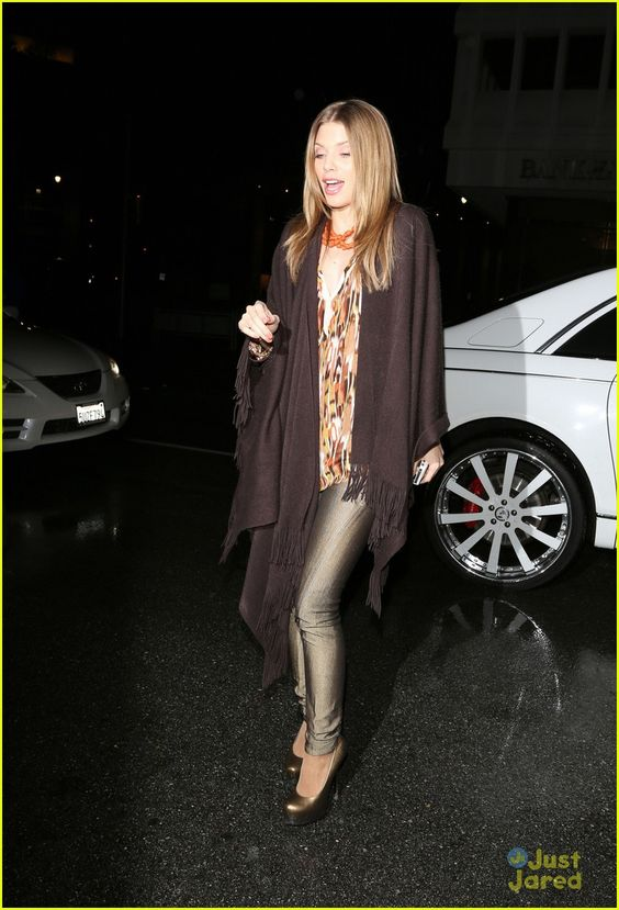 annalynne mccord birthday party goer 01