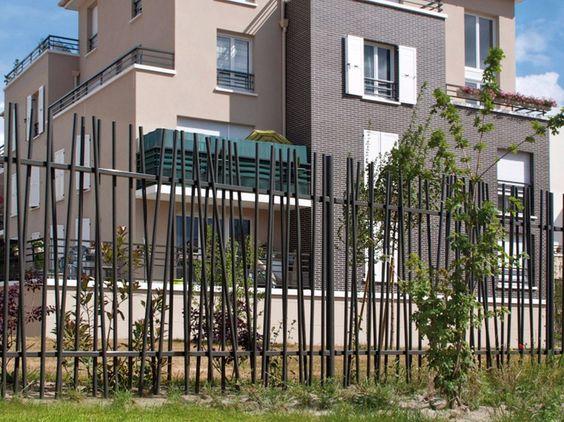 Stangen- Zaun aus verzinktem Stahl OOBAMBOO™ Zaun - NORMACLO - gartenzaun modern metall