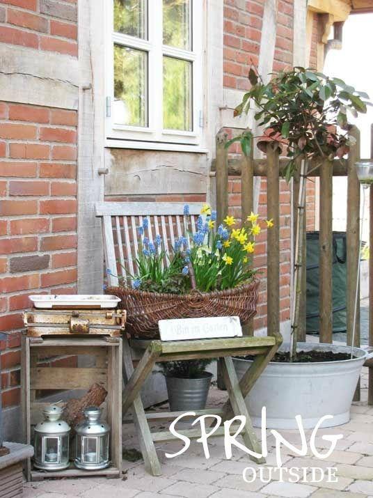 22 Schon Deko Vor Der Haustur Fruhling Gartenecke Vorgarten