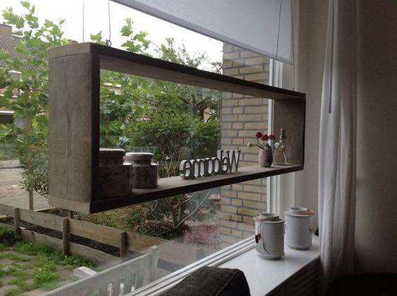 Houten smalle bloembak vensterbank google zoeken for Houten decoratie voor raam