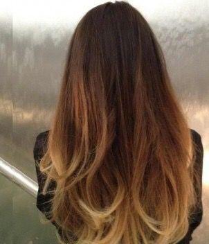 Efecto sutil de Balayage enmarcando solo las orillas del cabello.