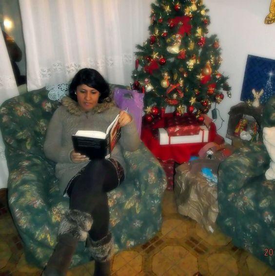 ¡Se ve que a los usuarios les gusta leer junto al árbol navideño! (Nº 50)